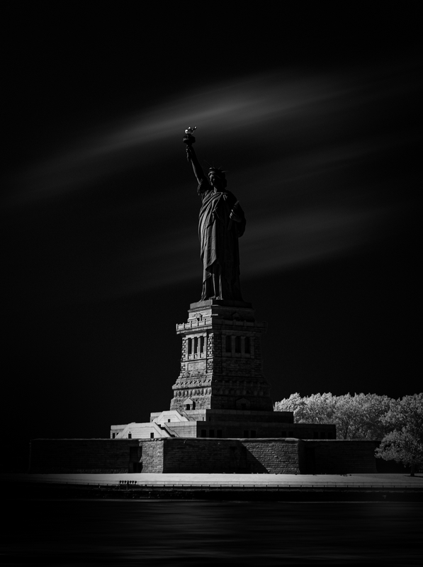 Invisible Light - 43 - Lady Liberty (NYC) - 2019_[h08]